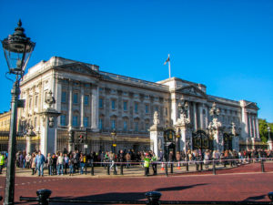 Buckingham Palace - London: 60 Things to See & Do - The Trusted Traveller