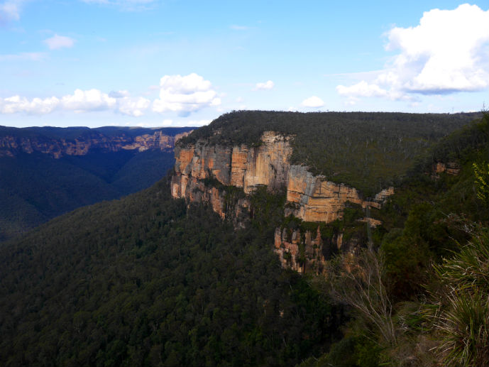 Sandstone cliffs at Govetts Leap