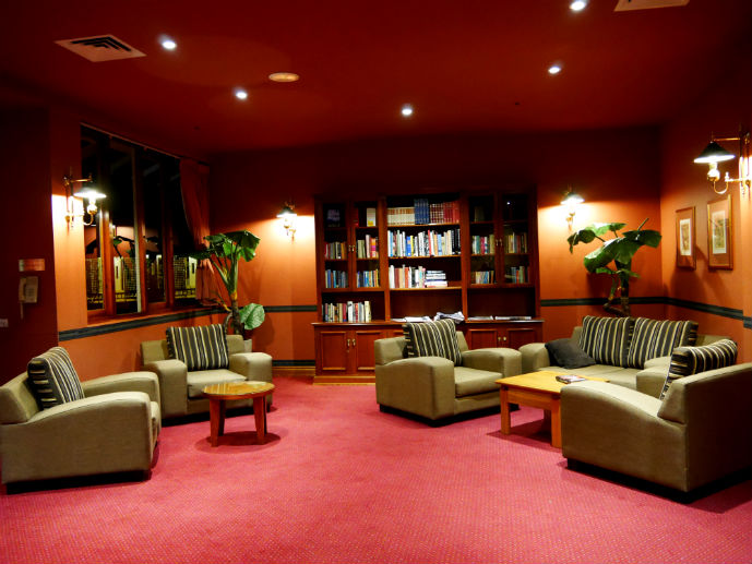 The Library - Hotel Review: Fairmont Resort Blue Mountains - The Trusted Traveller