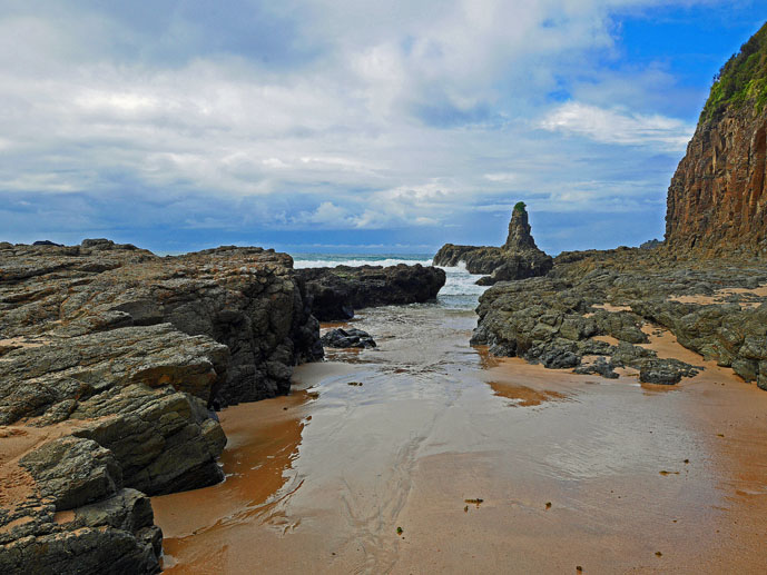 Cathedral Rocks - Exploring the Grand Pacific Drive - The Trusted Traveller