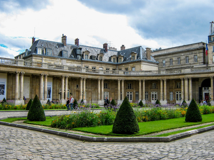 A hidden courtyard in the Marais - 30 Things to Do in Paris - The Trusted Traveller