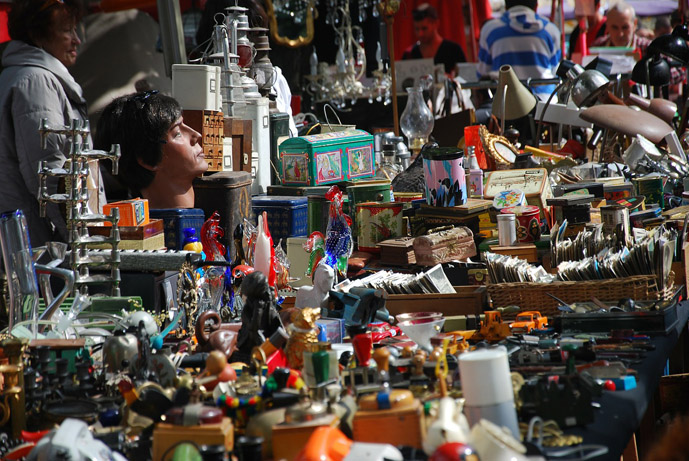 One man\'s trash is another man\'s treasure at the Paris Flea Markets ...