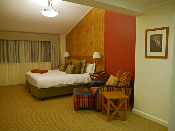 A cozy room at the Fairmont Resort Blue Mountains- Where to Stay - The Trusted Traveller