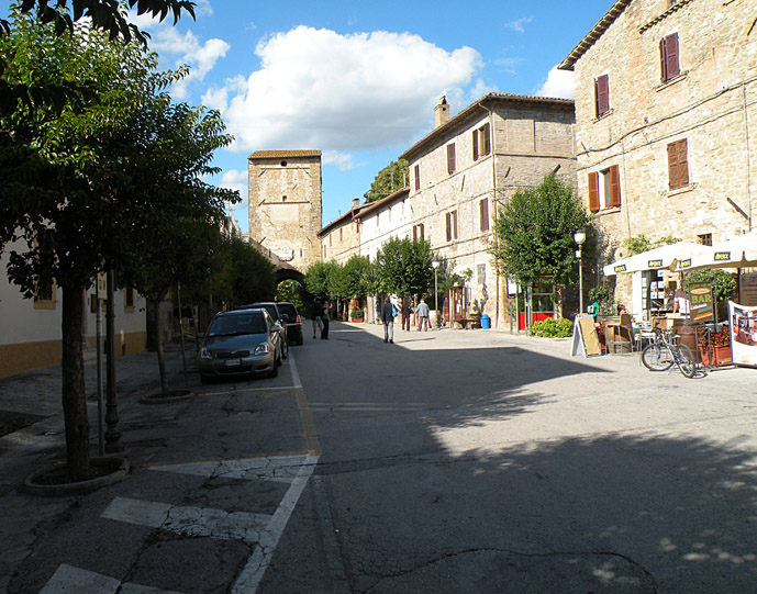 Bevagna - Driving Leonardo's backyard: Five Well/Less-well Known Destinations - A Guest Post on The Trusted Traveller