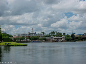 Epcot central lake - Guide to the Orlando Theme Parks - The Trusted Traveller