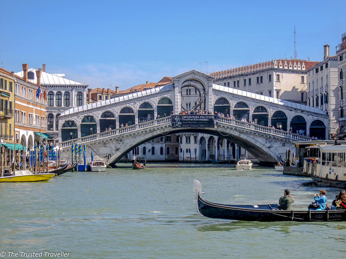 Venice Rialto Bridge - Italy Travel Guide - The Trusted Traveller