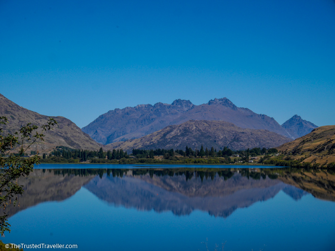 Lake Hayes, Queenstown - New Zealand Travel Guide - The Trusted Traveller