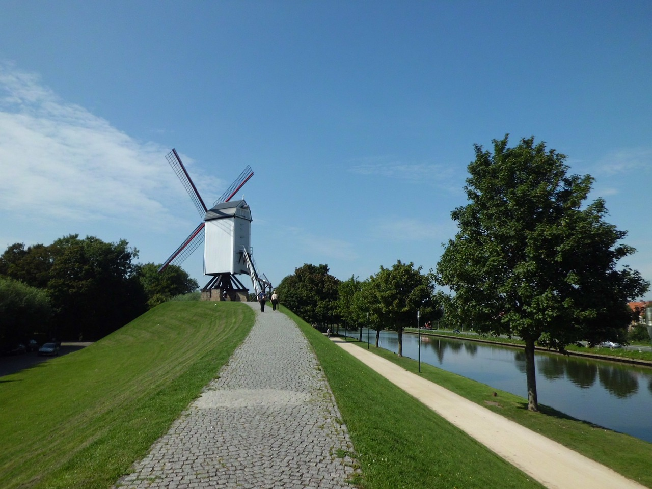 Windmills on the canal near Bruges - Belgium Travel Guide - The Trusted Traveller