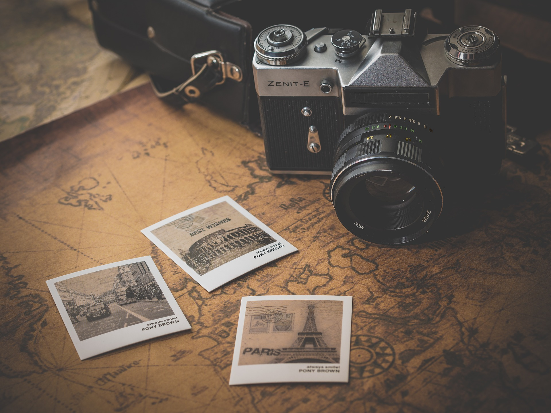 The Pros and Cons of Full-Time Travel - The Trusted Traveller