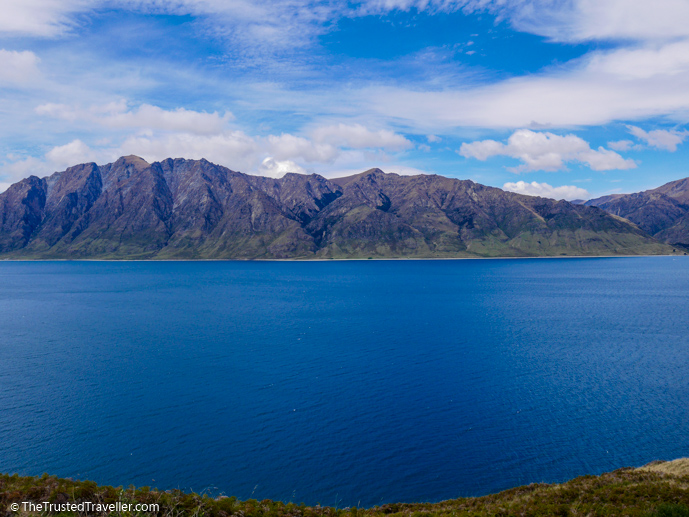 Lake Hawea - The 10 Most Stunning Lakes on New Zealand's South Island - The Trusted Traveller