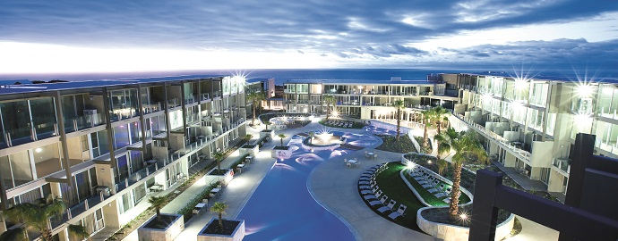 The resort style outdoor pool - Wyndham Resort Torquay: Surf Coast Comfort - The Trusted Traveller