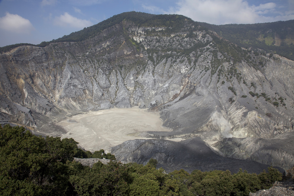 Tangkuban Perahu - 7 Things to Do in Bandung, Indonesia - The Trusted Traveller