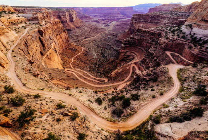 Shafer-Switchbacks-Canyonlands-National-Park-Utah-Robbie-Shade - Canyonlands National Park - Island in the Sky - The Trusted Traveller