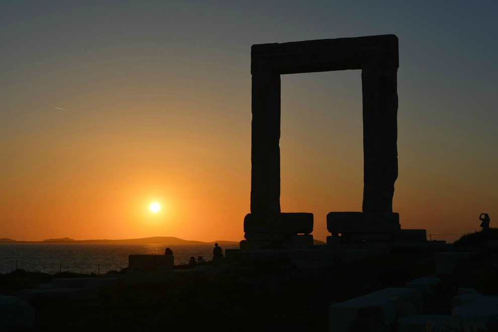 naxos_portara- 5 Gorgeous Cycladic Islands to Visit - The Trusted Traveller