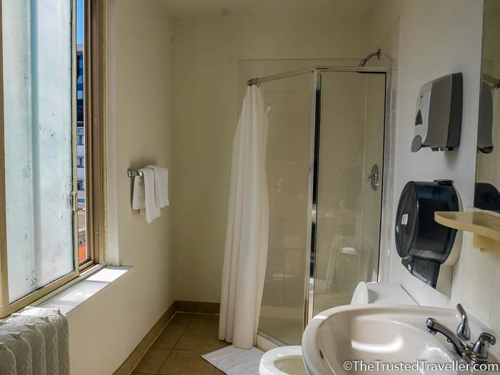 Bathroom of the Double ensuite room - Hostel Review: HI Vancouver Central - The Trusted Traveller