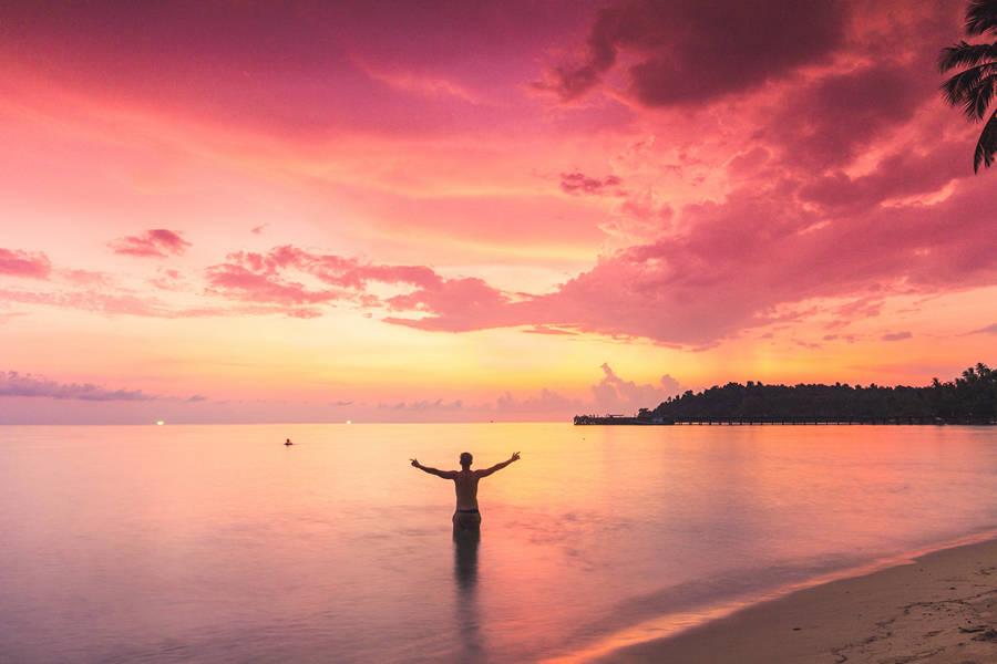 Koh Mak Sunset - One Week Island Hopping in the Gulf of Thailand: Koh Chang, Koh Kood, Koh Mak - The Trusted Traveller